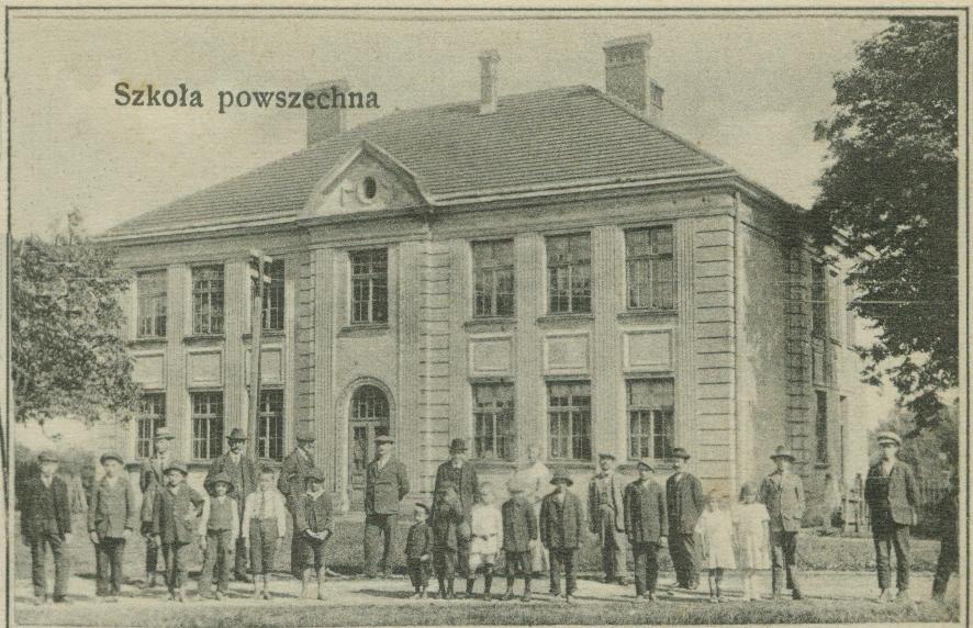 Jubilatka z tradycjami.100-lecie budynku Szkoły w Wilamowicach.