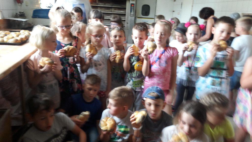 W piekarni – wycieczka uczniów klas pierwszych.
