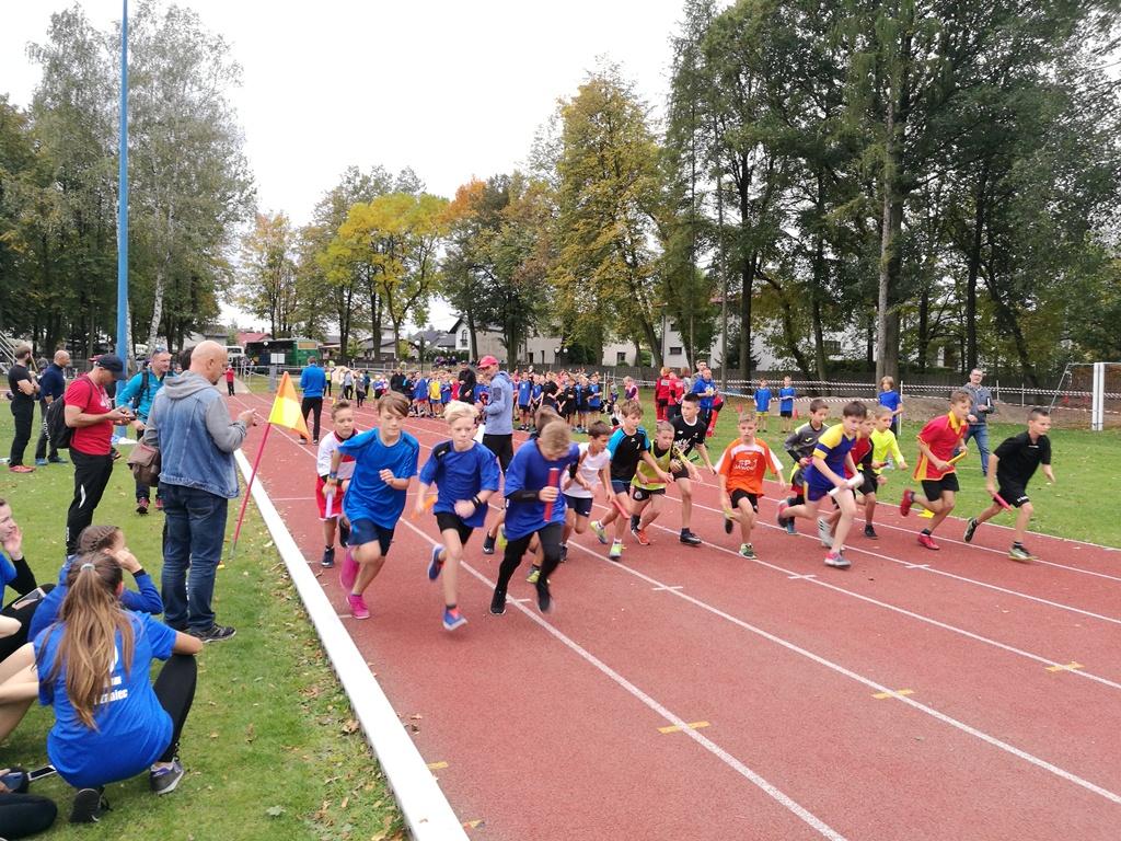 Mistrzostwa powiatu bielskiego w sztafetowych biegach przełajowych